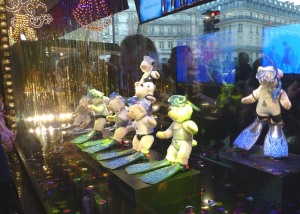 Pigs as frog men -- Gallerie Lafayette