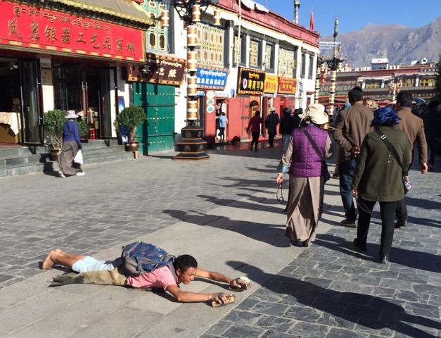 Tibet single prostration